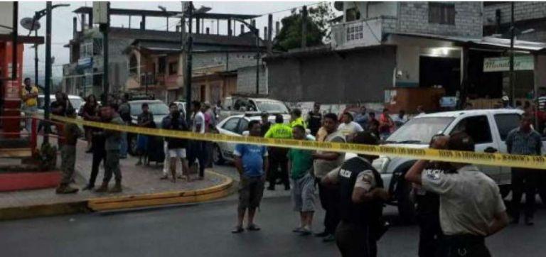 El ministro del Interior dijo que los detenidos son tres ecuatorianos y un colombiano. Foto: @forever925