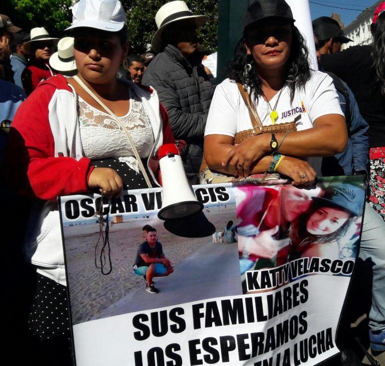El plantón se realizó frente a la casa de Gobierno, en el centro histórico de Quito. Foto: Corape (Twitter)