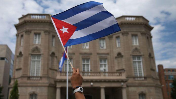 LA HABANA, Cuba.- Apertura al mercado y la inversión privada sin renunciar al socialismo: este es uno de los principales cambios en la nueva Constitución cubana. Foto: AFP