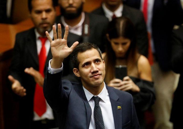El jefe del Legislativo, Juan Guaidó, dijo que la Constitución le da legitimidad para asumir el poder. Foto: Reuters