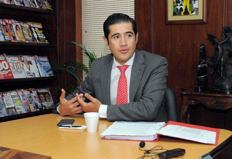 El ministro de Finanzas, Richard Martínez, en entrevista con Revista Vistazo. Foto: José Dimitrakis.