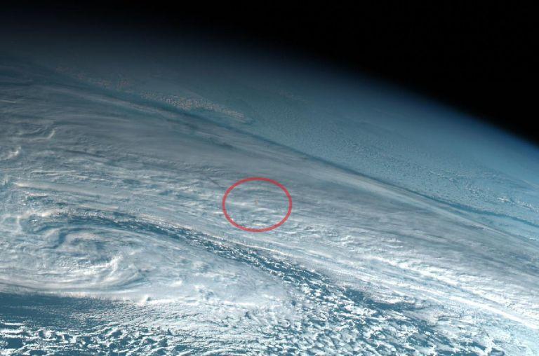 El meteorito explotó a unos 25, 6 kilómetros sobre la superficie de la Tierra, con una energía de impacto de 173 kilotones. Foto: Simon Proud.