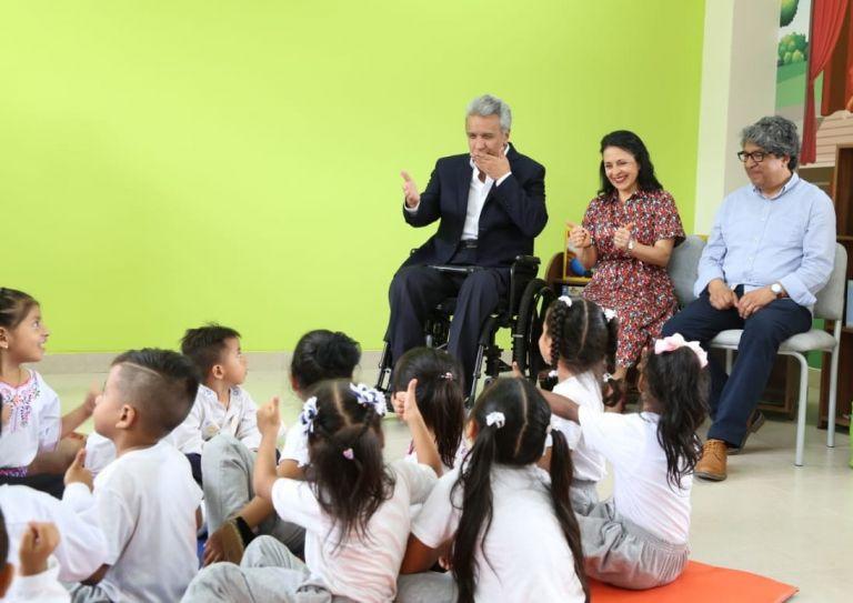 """Moreno se refirió a la entrega de uniformes y alimentación escolar """"a los alumnos que más lo necesitan""""."""