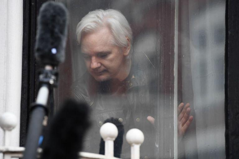 La Fiscalía sueca comunicó hoy que reabrirá el caso y activará la orden de arresto europea contra Assange.