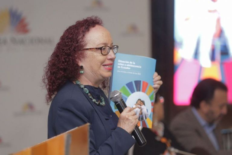 """Margarita Velasco, del Observatorio Social del Ecuador, presentó el libro """"Situación de la Niñez y Adolescencia: una mirada a través de ODS"""""""