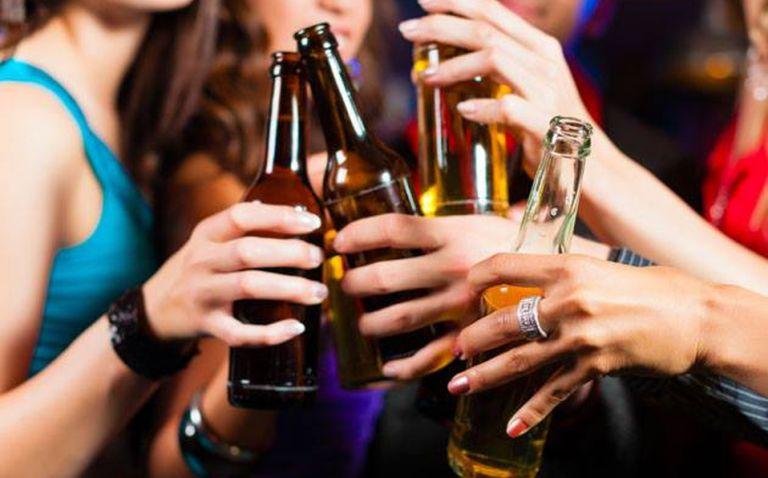 Drogas ilegales como la cocaína, la heroína o el cannabis tienen efectos menos dañinos para el ser humano que el alcohol y el tabaco.