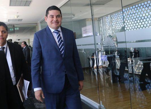 """""""Hoy viernes como nunca, sesionará con tanta celeridad una comisión de la Asamblea"""", dijo Tuárez."""