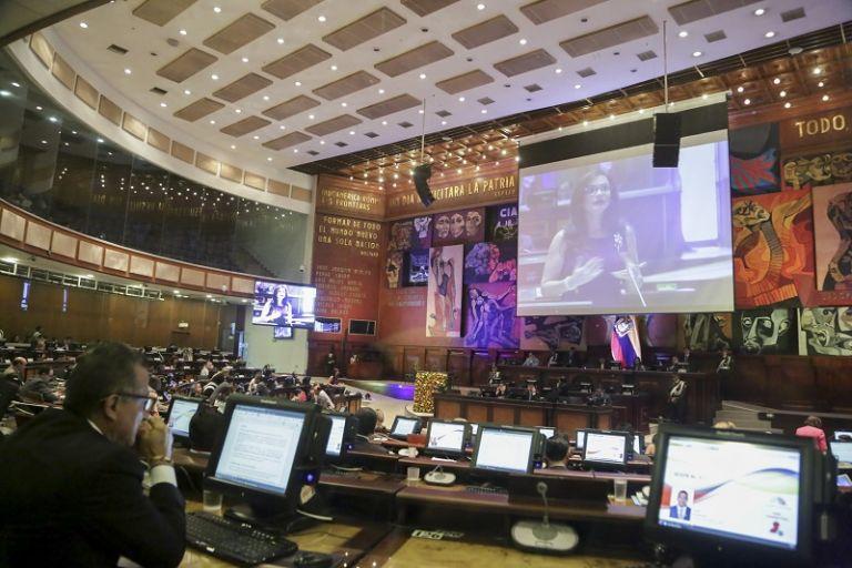 César Litardo suspendió la sesión e informó que el debate se retomará el martes de la próxima semana. Foto: Flickr Asamblea