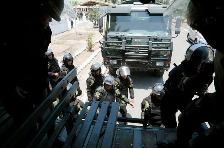 Después del discurso del primer mandatario, del fuerte se desplegaron hacia Guayaquil más de cinco camiones con militares. Foto: Presidencia.