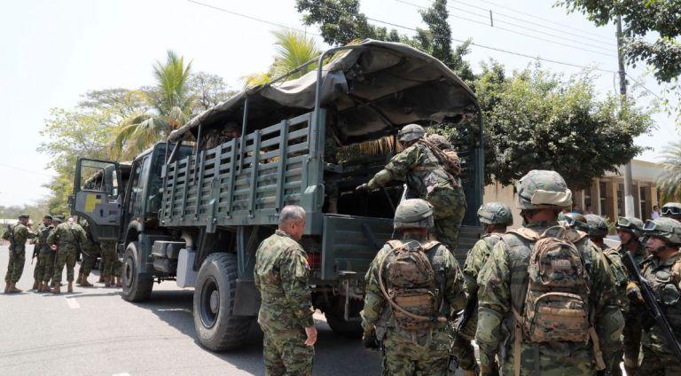 Los militares tendrán a su cargo el control de armas para combatir la delincuencia en Ecuador. Foto: Presidencia.