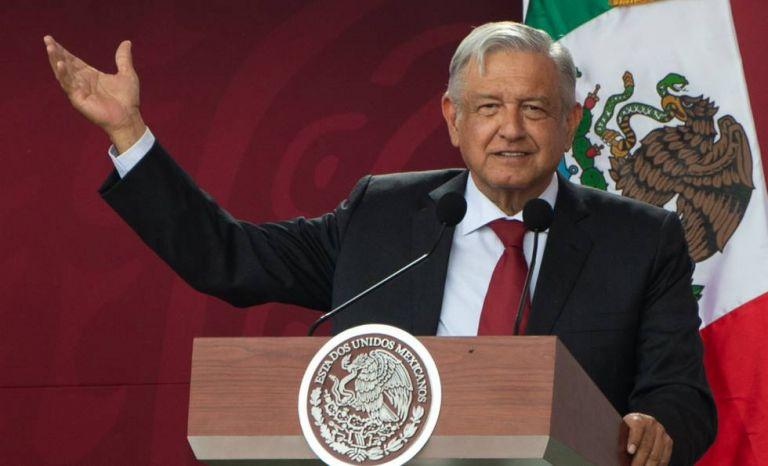 Andrés López Obrador opta por una democracia más participativa en donde los mexicanos voten y decidan. Foto: AFP.
