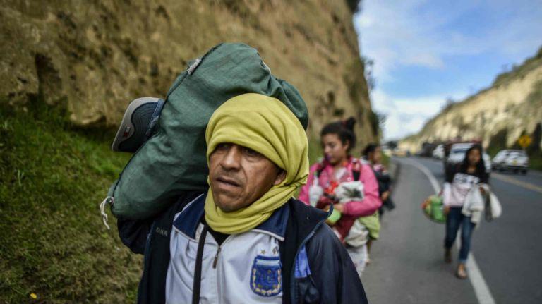 La reforma de ley posibilita la expulsión del migrante sin su firma, solo tres días de la petición de revisión del caso, entre otros aspectos. Foto: AFP.