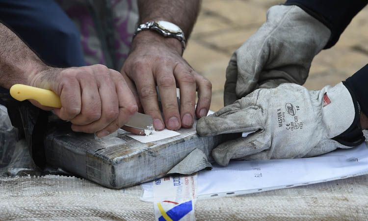 Las autoridades se cuestionan cómo se colocaron las drogas en un lugar supuestamente protegido. Foto: AFP.