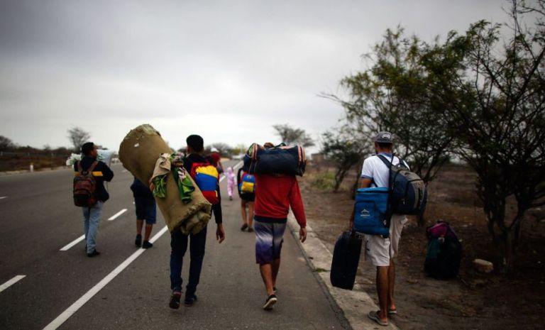Los migrantes de ingreso irregular han sido sacados del país, adicionalmente están prohibidos de ingresar al territorio peruano por 15 años. Foto: AFP.