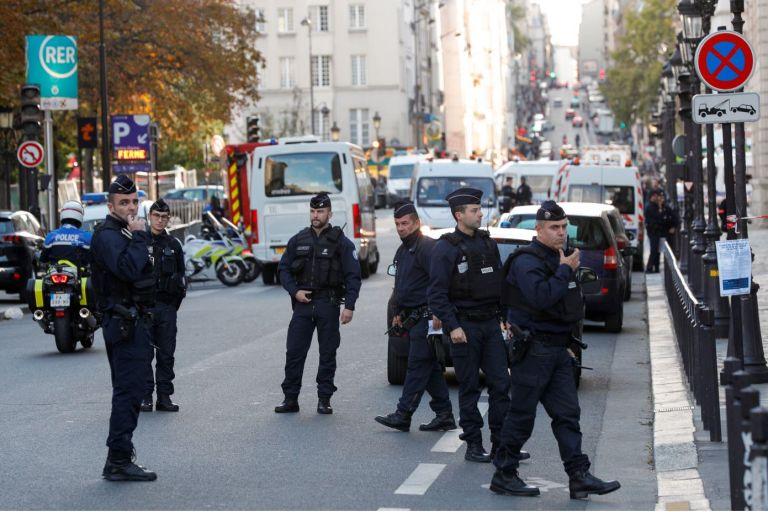 La agresión se produjo un día después de una manifestación de miles de policías en París. Foto: AFP.
