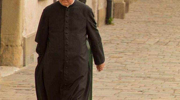 Néstor Genaro B. se ordenó como sacerdote hace veintidós años y era el coordinador de la catequesis de Guápulo. Foto referencial: Pixabay