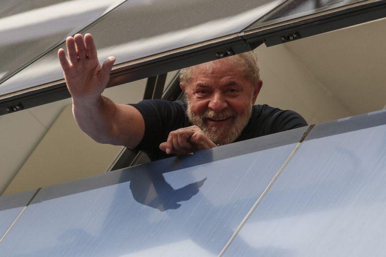 Lula, de 74 años, empezó a purgar en abril de 2018 una pena de 8 años y 10 meses de cárcel. Foto: AFP.