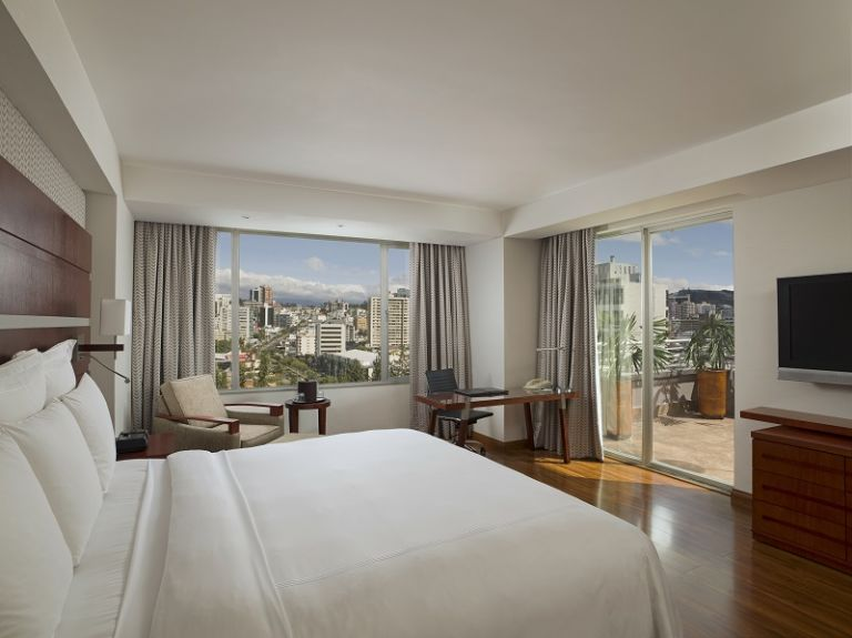 Desde las habitaciones del hotel Marriott se puede disfrutar de los paisajes de la ciudad en medio de diversas comodidades. Foto cortesía JW Marriott