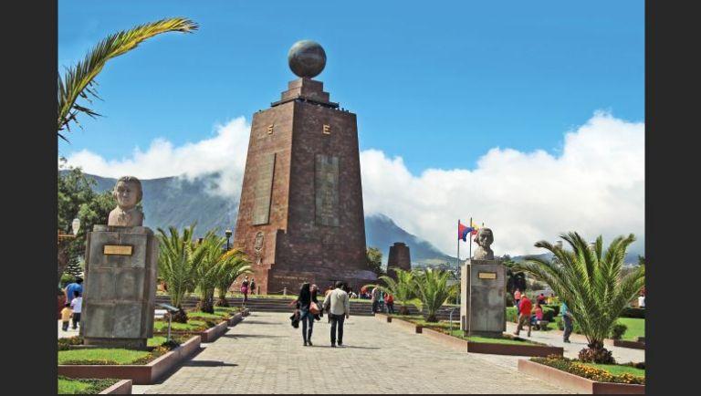 La Ciudad Mitad del Mundo es uno de los lugares de mayor atracción turística en la capital.