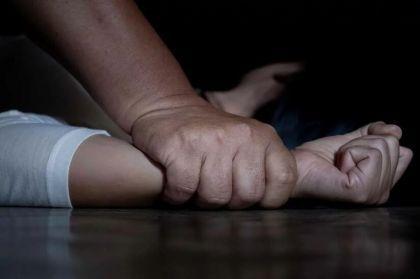 La adolescente denunció que el día de Navidad fue abusada sexualmente por los jóvenes en un terreno abandonado.