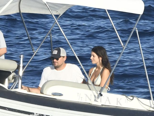 El actor Leonardo DiCaprio junto a su novia, Camila Morrone, rescataron a un joven que llevaba 11 horas en altamar.