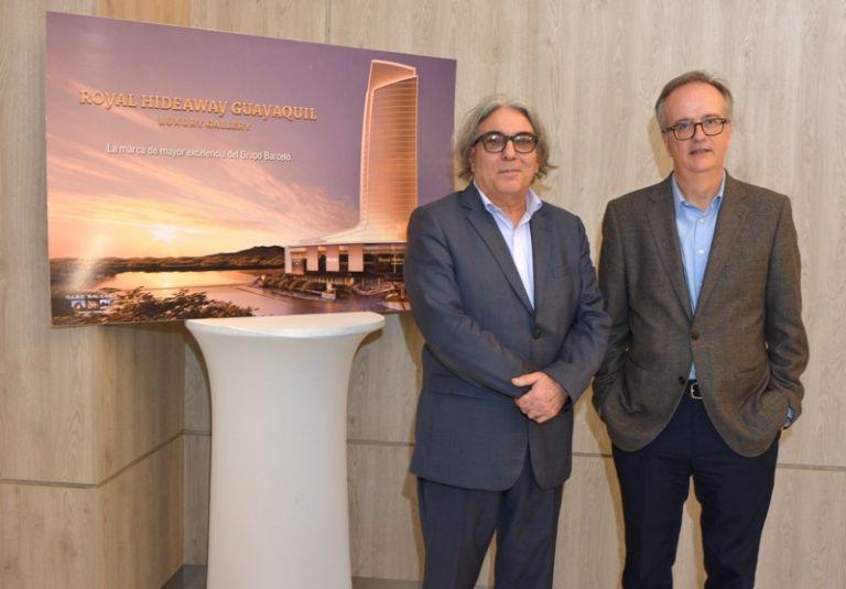 Antonio Vidal (i), director de Illes Balears; y Simón Pedro Barceló Vadell, copresidente de Barceló Hotel Group. Foto: César Mera.
