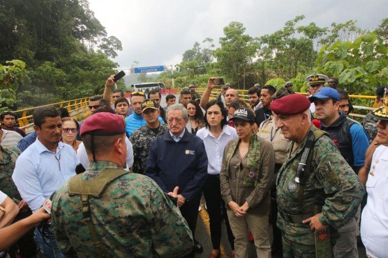 Mataje no es un puente internacional, es un paso transfronterizo.