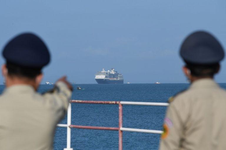 Los pasajeros llevan más de 10 días deambulando de un puerto a otro. Foto: AFP