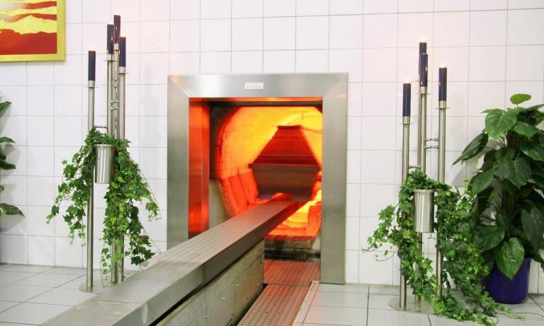 La cremación de un cuerpo toma alrededor de cinco horas.