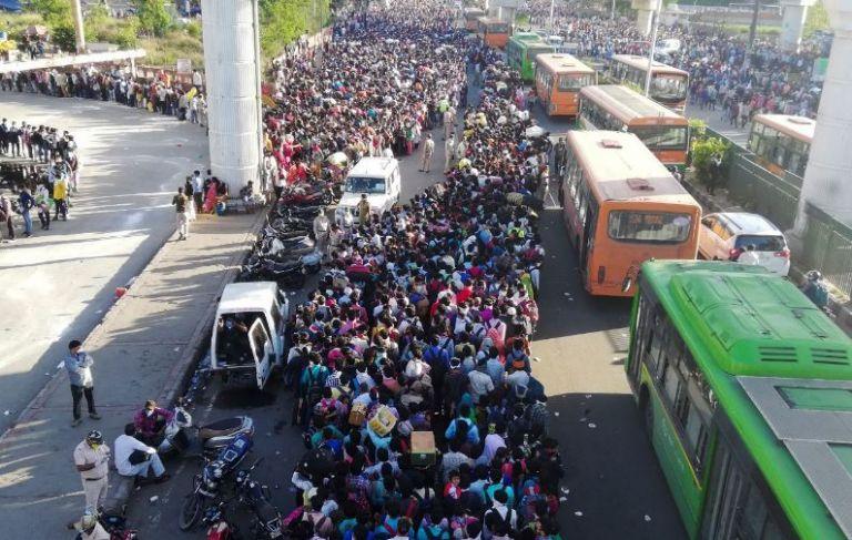Tras viajar por Italia, epicentro europeo de la pandemia, y Alemania, el gurú llegó a la India| AFP
