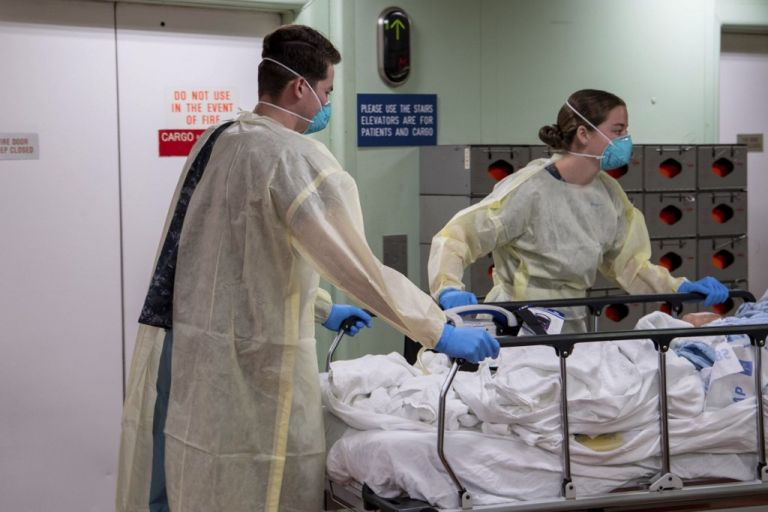 La cantidad de muertos en Italia, que registró su primer deceso vinculado al virus a fines de febrero, asciende a 10.779. Foto: AFP