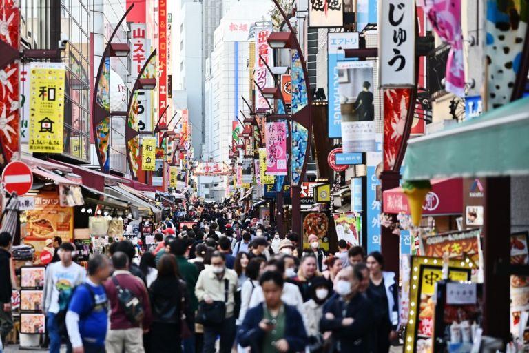 El Gobierno japonés ha informado hasta el momento de 2.665 contagios del nuevo coronavirus y 67 fallecidos en su país. Foto: AFP