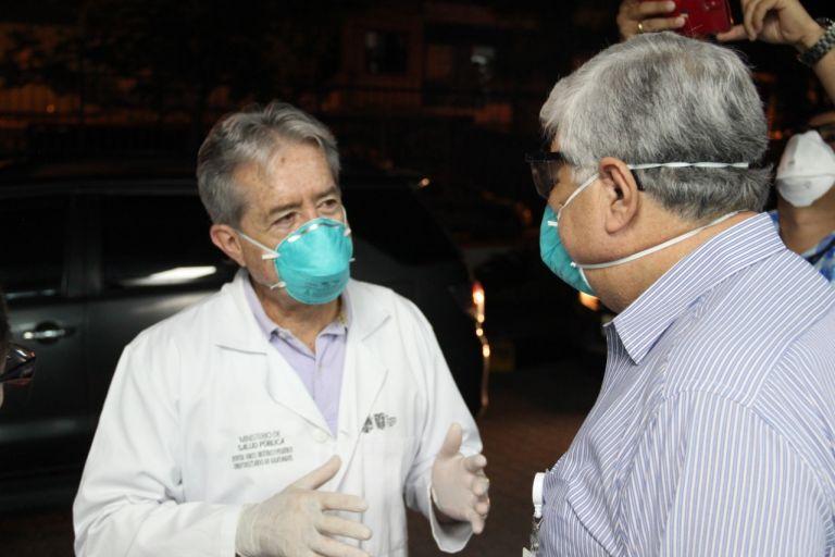 El ministro de Salud, Juan Carlos Zevallos, destacó el alta hospitalaria de medio centenar de pacientes en un mensaje a la nación.