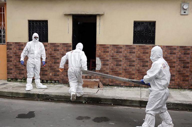"""Wated reconoció las fallas en el """"sistema mortuorio"""" de Guayaquil. Foto: AFP"""