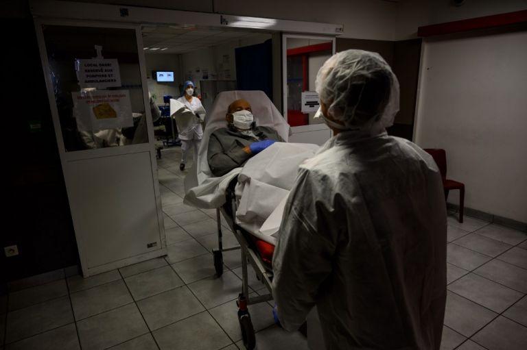 Después de Italia, los países más afectados son España con 13.055 muertos y 135.032 casos, Estados Unidos con 9.648 muertos (337.646 casos). Foto: AFP