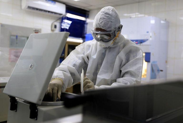 Tener una vacuna conlleva múltiples etapas para ver que es segura y protege claramente. Foto: AFP
