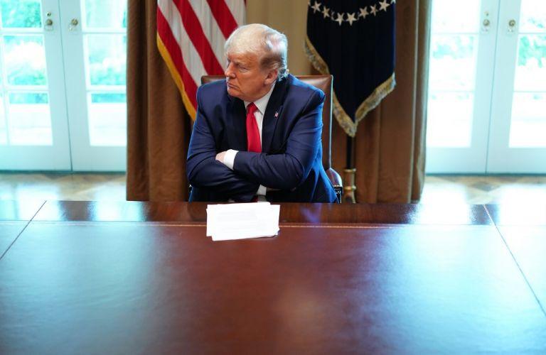 Trump justificó su decisión por la oposición de la OMS al cierre de fronteras para combatir la propagación del virus. Foto: AFP