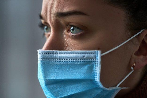 La investigación también destacó que las muestras oculares pueden ser positivas cuando las nasales ya no muestran rastros del virus.