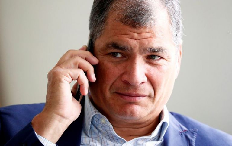 La indemnización a pagar por los condenados, entre ellos el expresidente Correa, es de $ 14 745 297. Foto: Reuters
