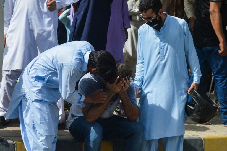 El avión, procedente de Lahore, sufrió un problema técnico y se estrelló, provocando la muerte de 97 de sus 99 pasajeros. Foto: AFP