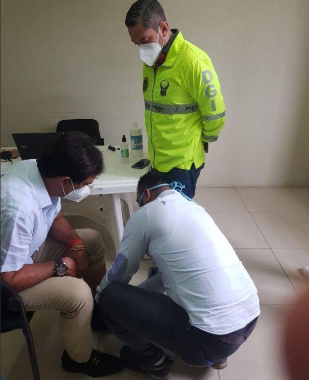 Morales fue trasladado al CDP para la colocación del dispositivo.