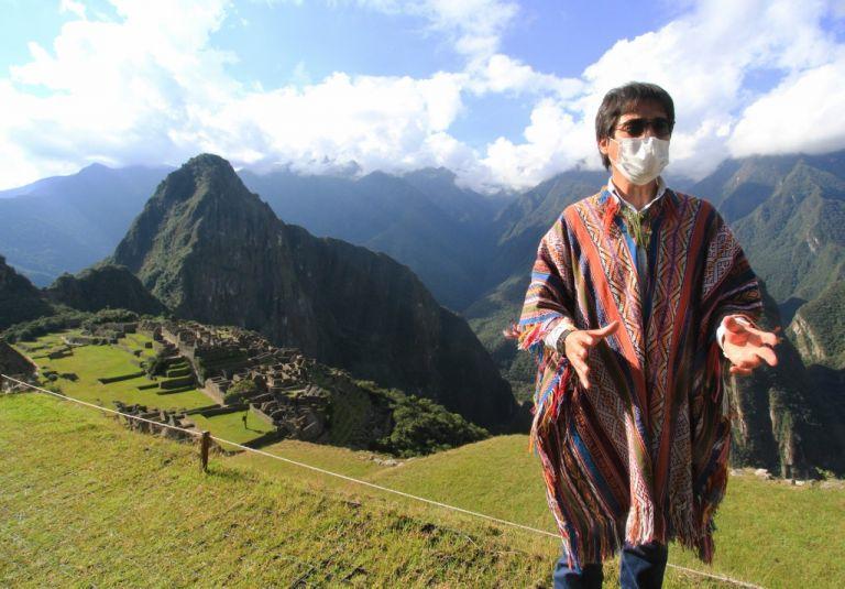 """""""Machu Picchu recibirá sólo 675 visitantes nacionales y extranjeros por día"""", un cuarto de la cantidad que acogía antes, dijo el gobernador del Cusco, Jean Paul Benavente. Foto: AFP."""