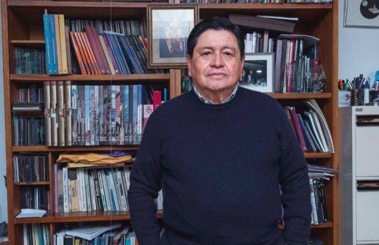 Lautaro Ojeda Segovia (1940, Riobamba). Estudió Derecho y Filosofía en la PUCE; además, Sociología, en la Vieja Lovaina, Bélgica.