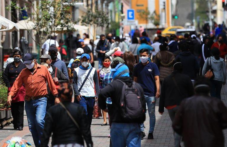 Quito, la más poblada del país, es la segunda ciudad con más contagios (6.453), detrás del puerto de Guayaquil (con 9.986). Foto: EFE
