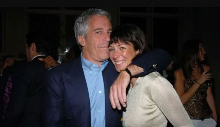 Ghislaine Maxwell y Jeffrey Epstein. Foto: AFP.