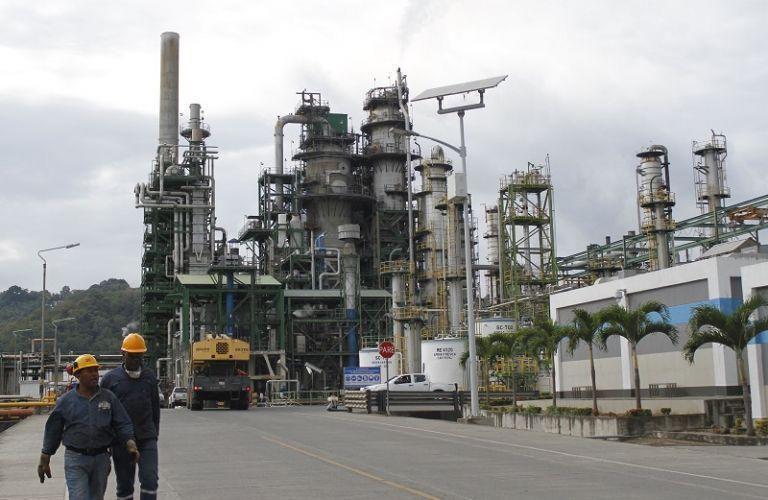 La Refinería de Esmeraldas tiene capacidad para procesar unos 110.000 barriles diarios de crudo.