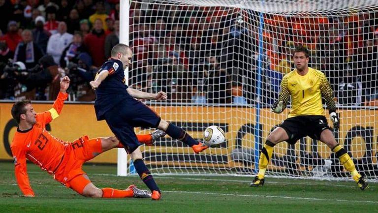 Andrés Iniesta se convirtió en el héroe de un país y de un partido que marcó el éxtasis máximo de una forma de jugar, el famoso tiqui-taca.