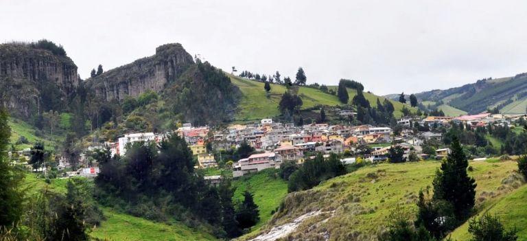 Salinas de Guaranda es considerado uno de los puntos clave en el turismo provincial de Bolívar, recibe constantemente turistas nacionales y extranjeros, por sus atractivos naturales, como por sus microempresas.
