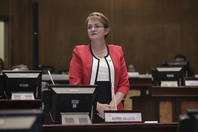 Según Fiscalía, Vallejo ordenó y exigió la entrega de contribuciones a sus subordinados, a cambio de su estabilidad laboral.