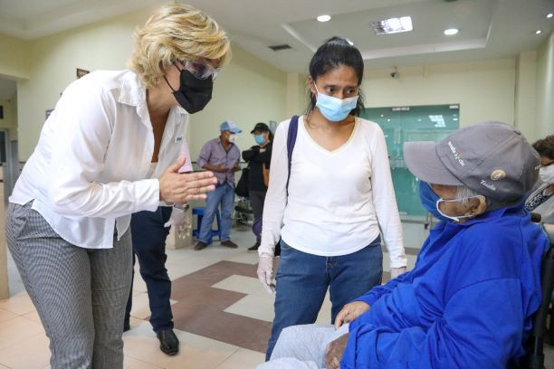 102.573 personas se atendieron hasta junio en los 51 puntos de salud del Municipio de Guayaquil. Foto cortesía